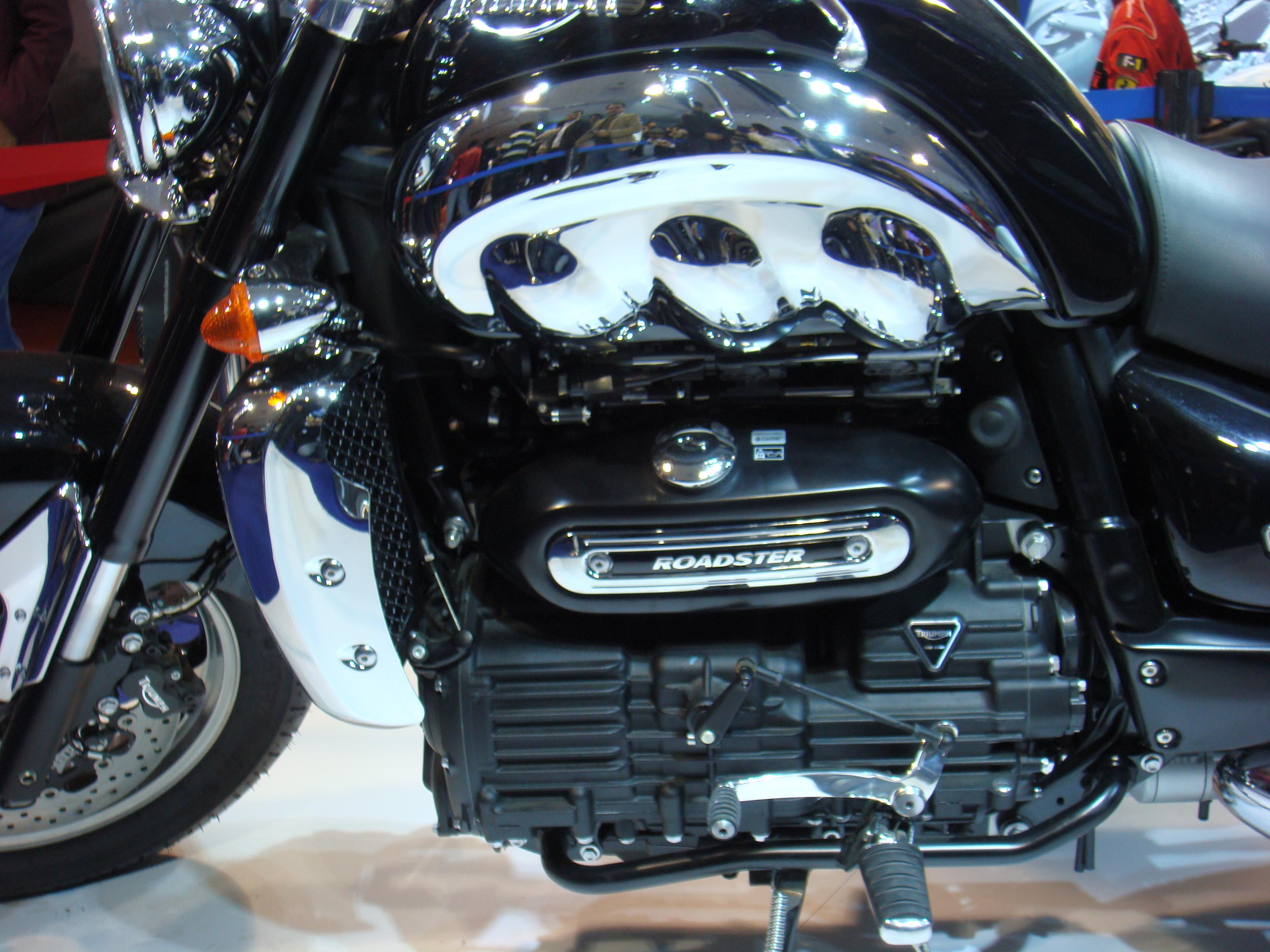 auto expo   delhi triumph motorcycles cars  motorcycles