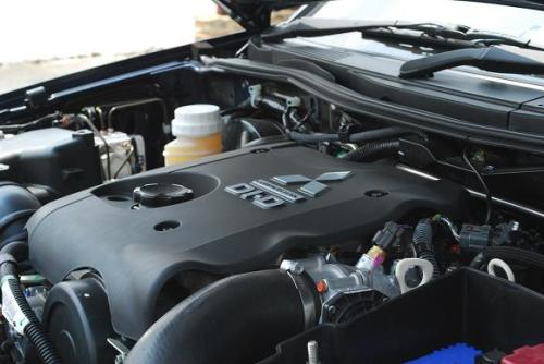 Mitsubishi Pajero Sport Engine