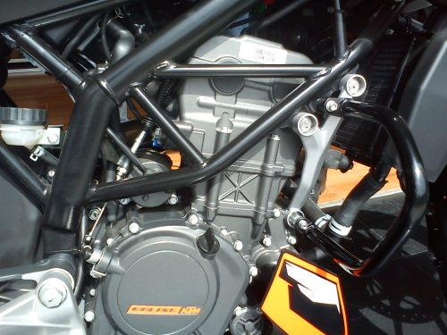 KTM Duke 200 Engine