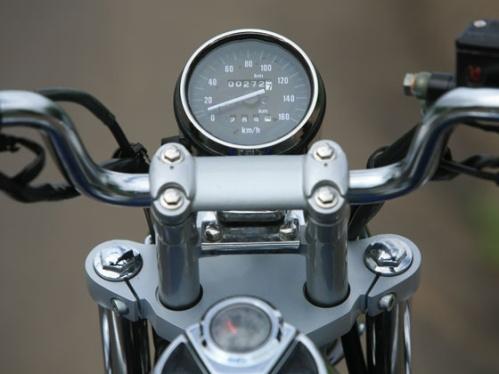 Bajaj Avenger 220 DTS-i speedometer